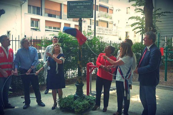 La petite-fille de  Jules Durand et Christiane Taubira dévoilent la plaque du square le 22 juin