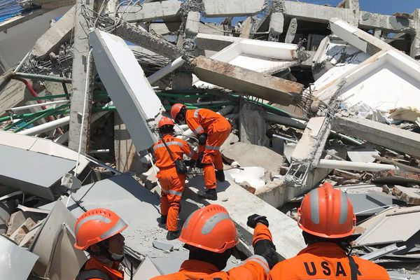 Les pompiers français vont prêter main forte aux secouristes indonésiens.