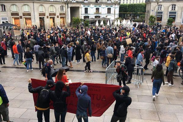 environ 1700 personnes ont défilé dans le calme contre le racisme et les violences policières samedi 13 juin à Nantes