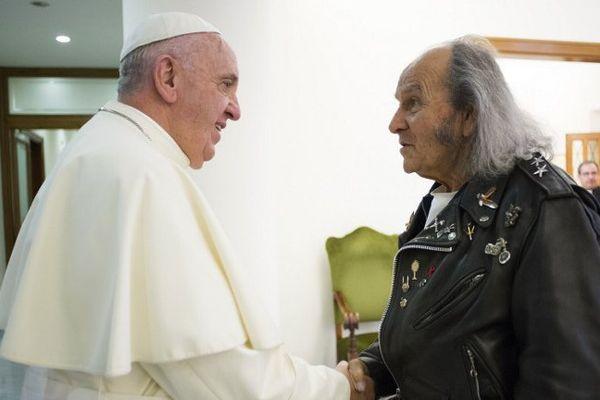 Le père Guy Gilbert a été reçu au Vatican le 11 septembre 2015 par le pape François