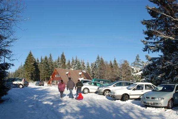 La neige est bien présente ce mardi 11 décembre  à Saint-Setiers sur le plateau de Millevaches