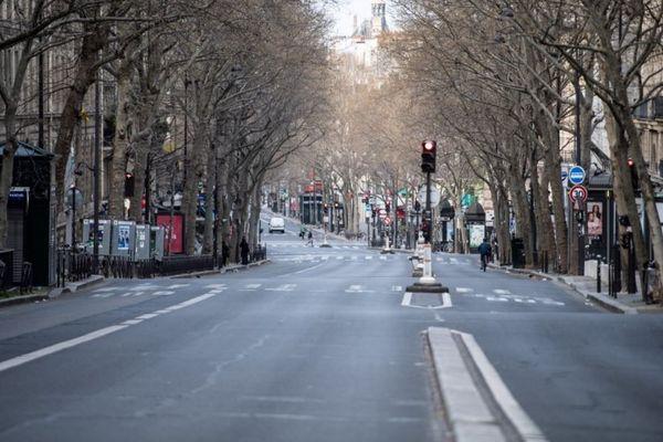 Malgré une circulation quasiment à l'arrêt, la pollution n'est toujours pas à zéro.