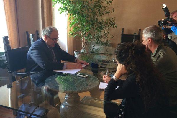 06/04/2017 - Paul Giacobbi a annoncé jeudi matin qu'il ne serait pas candidat à sa propre succession dans la 2ème circonscription de Haute-Corse à l'occasion des prochaines élections législatives.