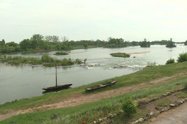 Dans le Loiret, au niveau de Meung-sur-Loire, les bancs de sable sont de plus en plus apparents.