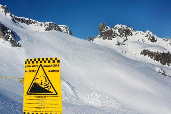 ILLUSTRATION d'alerte avalanche