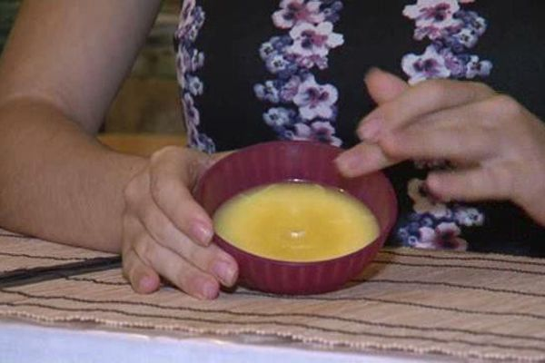 Une crème brûlée pour le dessert ? Non, une crème de jour pour la peau...pur beurre !