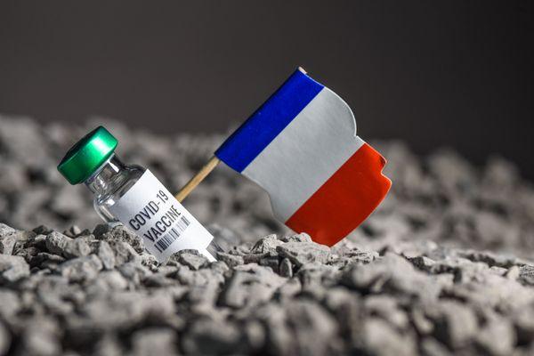 Flash Therapeutics espère pouvoir commercialiser son vaccin ARN français contre le Covid-19 d'ici fin 2022.
