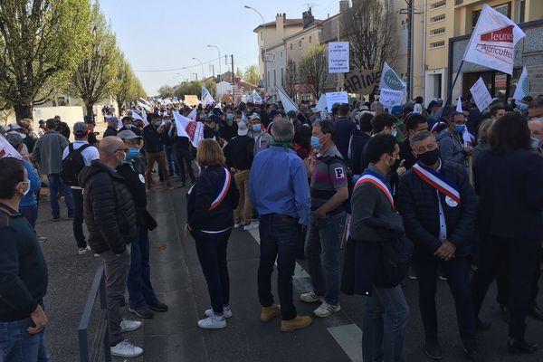 Des élus locaux se sont joints à la manifestation des agriculteurs à Mont-de-Marsan.