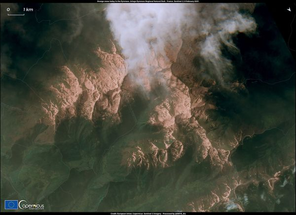 Les Pyrénées Ariégeoises recouvertes de sable du Sahara, vues par satellite.