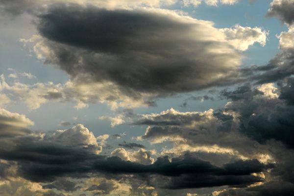 Nuages, éclaircies, averses : une cohabitation peut-être orageuse...