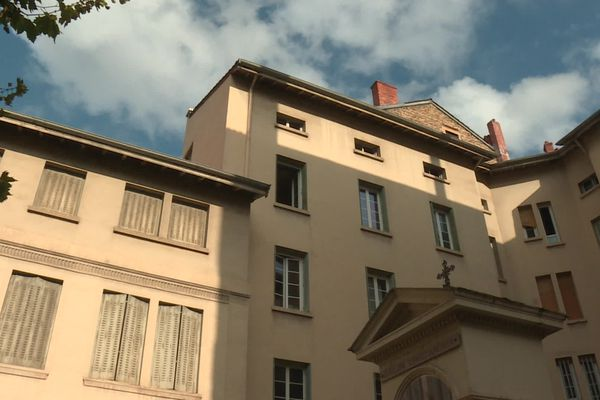 A Lyon 2e, ''L'effet mères'', centre d'hébergement pour les femmes sans-abris et leurs enfants, s'est agrandi