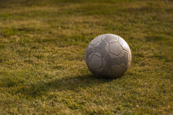 Le monde du football en deuil avec le décès, ce lundi 7 décembre, du lyonnais Jean-François Charbonnier, champion avec le PSG en 1986.