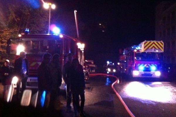 Les pompiers ont dû intervenir à deux reprises dans la journée de mercredi dans une résidence située sur la commune de Royat dans le Puy-de-Dôme. Une fois le matin et une autre le soir, peu après 20h30.