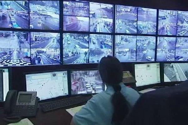 Le Centre de supervision urbain où sont centralisées les images de vidéosurveillance de la ville de Nice.