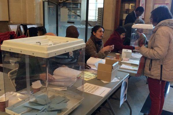 Le bureau de vote de la Canebière ouvert pour ce premier tour de la primaire de la gauche.