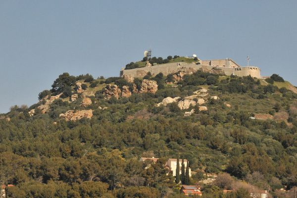 Fort de Six-Fours les Plages, théâtre d'un d'exercice de sécurité ce mercredi matin.