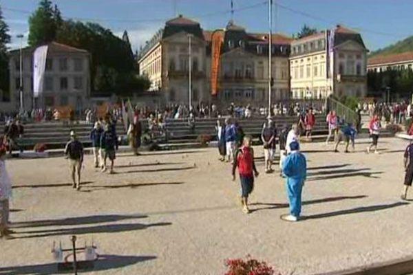 Durant 4 jours, plus de 1 500 joueurs vont s'affronter sur la place du Breuil au Puy-en-Velay, à l'occasion de la 5ème édition de l'international de pétanque.