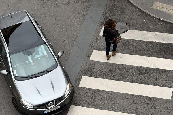 """Un décret instaurant notamment un durcissement des sanctions pour les """"refus de priorité"""" aux piétons a été publié, a annoncé mardi 18 septembre la Sécurité routière."""
