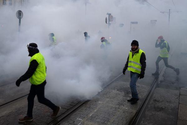 Les Gilets jaunes sur le quai de la Fosse à Nantes, le 15 décembre 2018