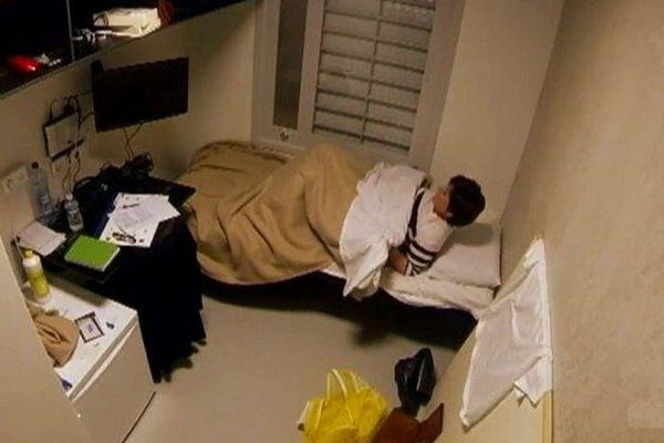 A Beveren, les volontaires ont vraiment dormi dans une cellule de la prison.