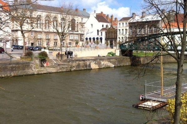 Les faits ont eu lieu quai Aux bois à Dunkerque.
