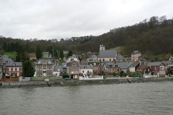 En Seine-Maritime, ce LUNDI, Villequier conservera toute la journée un ciel très nuageux.