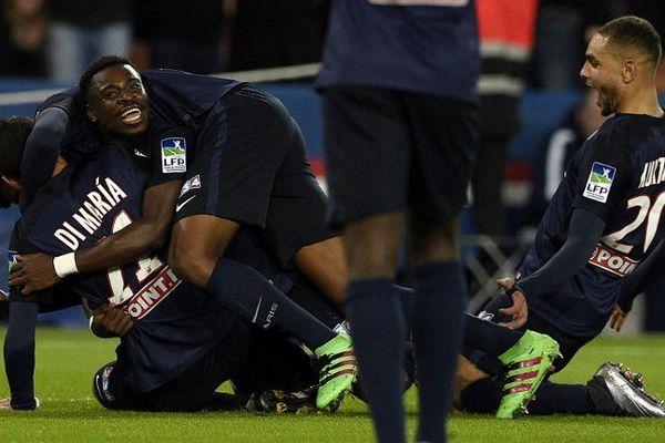 Paris, vainqueur de Toulouse 2-0 mercredi soir, jouera contre le LOSC le 23 avril en finale de la Coupe de la Ligue.