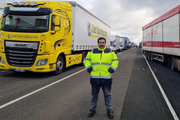 """Salarié d'une entreprise de transports au Creusot, Sébastien a vécu """"l'horreur"""", bloqué à Douvres pendant plusieurs jours."""