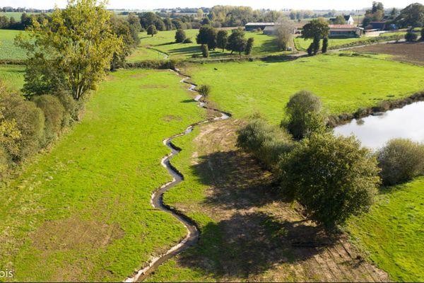 Préserver les équilibres du territoire en maintenant ruisseaux, haies bocagères et mares