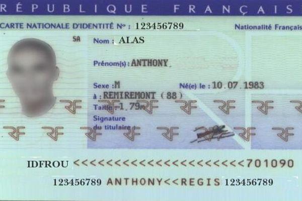 A partir du mercredi 1er janvier 2014, la carte nationale d'identité sera valide 15 ans, sauf pour les mineurs.