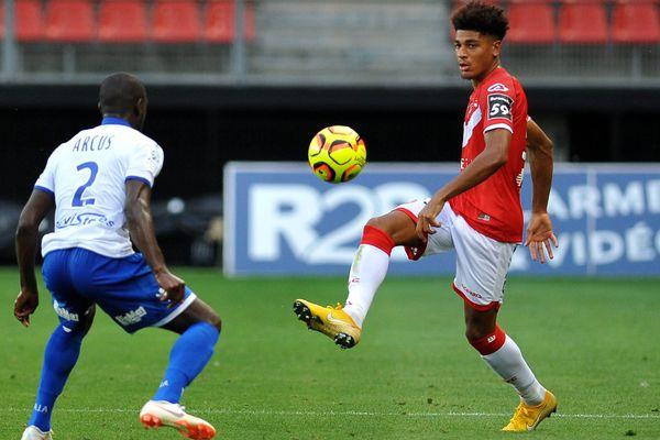 L'AJ Auxerre s'incline 3-1 contre Valenciennes pour la première journée de Ligue 2.