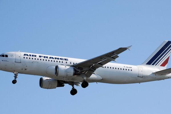 Optimiser les trajectoires de vol pour consommer moins - l'expérience est menée par Airbus et Air France, notamment sur un A320