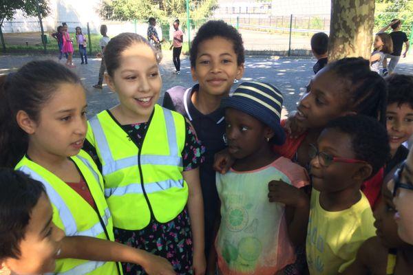 Des enfants médiateurs de l'école Madoumier à Limoges ont reçu le prix de la citoyenneté.