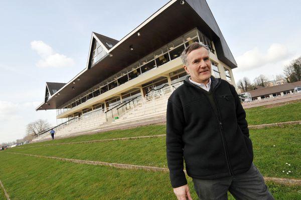 (Archives) Le président de la Fédération Française d'Equitation (FFE), Serge Lecomte pose le 11 mars 2009 à l'hippodrome de Caen.