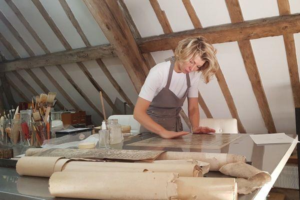 Géraldine Venant, restauratrice de livres anciens