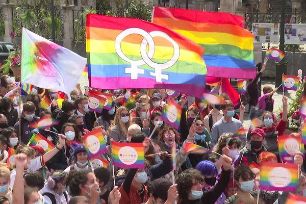 La marche de l'égalité contre l'homophobie et la transphobie à Orléans le samedi 15 mai 2021.