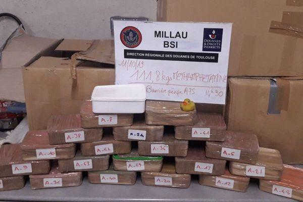 11.8 kilos de Méthamphétamine retrouvés par les douanes.