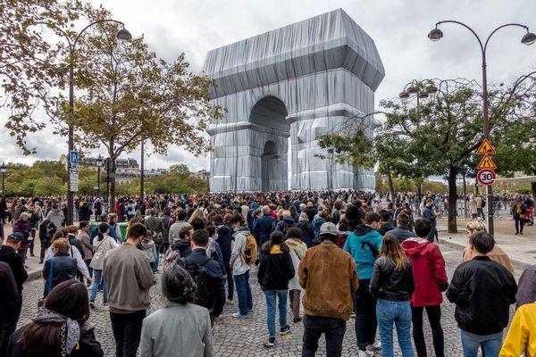 Le public était au rendez-vous ce dimanche 3 octobre pour admirer une dernière fois l'oeuvre de Christo.