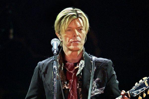 David Bowie sur scène le 20 octobre 2003 à Bercy, à Paris