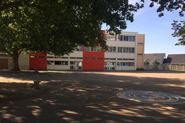 En raison d'un cas positif au covid-19, l'école élementaire Louis Pergaud ferme ses portes temporairement, à titre préventif.