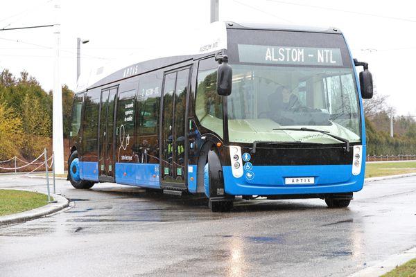 Aptis le prototype de bus électrique de Alstom-Ntl pouvant transporter une centaine de passagers/ 2017