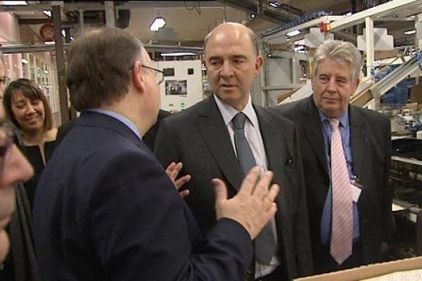 Pierre Moscovici, le Ministre de l'Economie et des finances, avec le maire de Besançon Jean-Louis Fousseret à ses côtés.