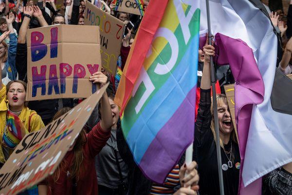 Des Polonais participent à la Gay Pride de Lublin (est de la Pologne), le 28 septembre 2019.