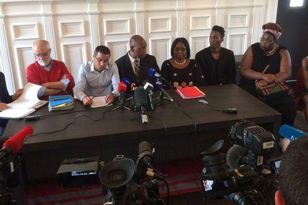 Conférence de presse des parents de Naomi suite à la publication du rapport de l'IGAS