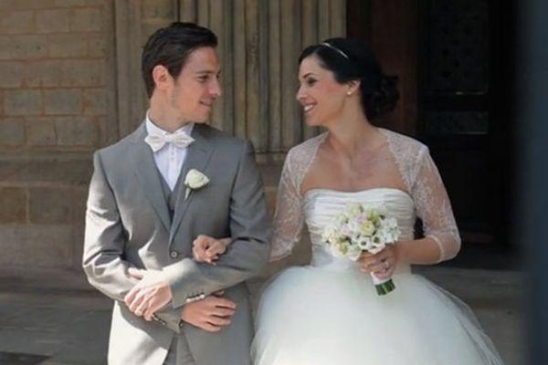 Ludovic Obraniak et son épouse à la sortie de l'église