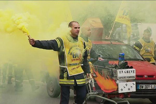 Manifestation des pompiers de Côte d'or le 23 avril 2018 à Dijon