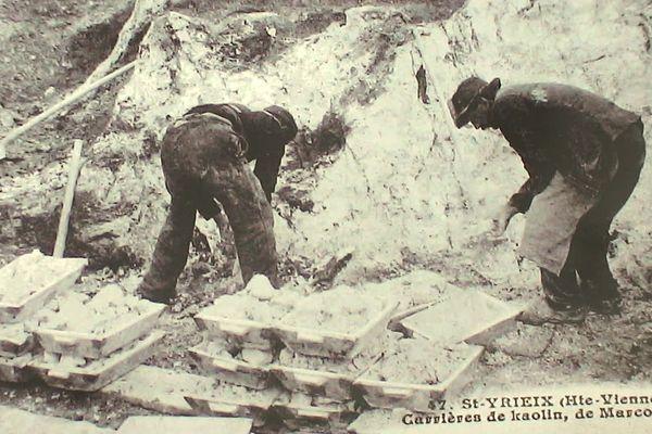 Hommes extrayant du kaolin dans une carrière de Marcognac en Haute-Vienne