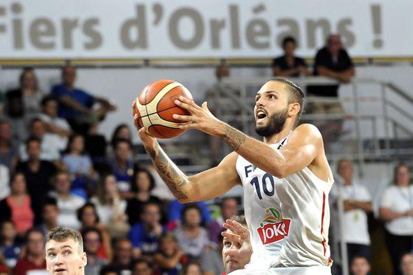 Au palais des sports d'Orléans, Evan Fournier a brillé ce mardi face à la Croatie avec 24 points, le public en attend autant ce jeudi soir!