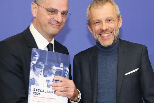 Le ministre de l'Éducation Jean-Michel Blanquer et l'ancien directeur de Science-Po Lille Pierre Mathiot.