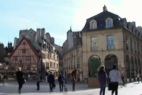 La place François Rude, aussi appelée du bareuzai, à Dijon (archives)
